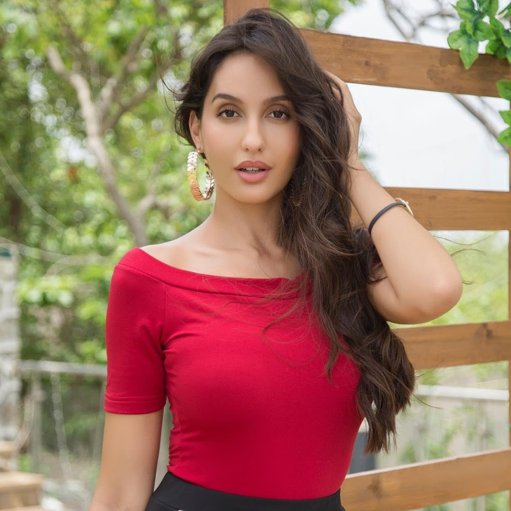 Nora Fatehi Instagram Images & Fashion Styles